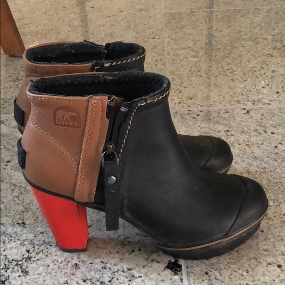 d58ecdbcd0c Sorel rain platform boots. M 5b3ad3ad035cf1eace6b068a